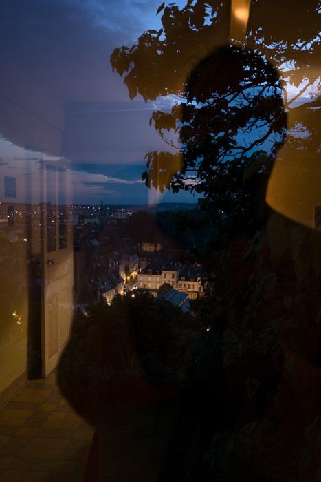 http://www.bertrandcarriere.com/files/gimgs/th-6_06_quelquepart.jpg